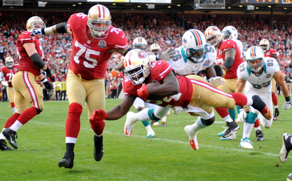 Dolphins Hang In; Can't Finish in 27-13 Loss to 49ers