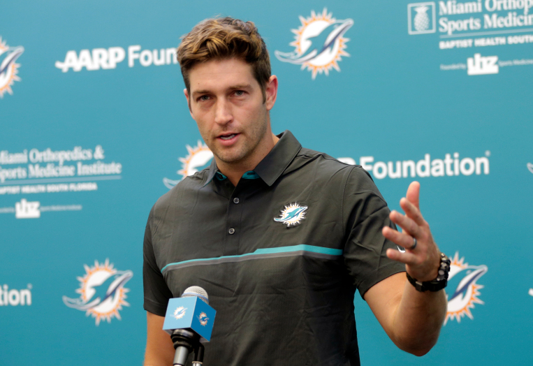 b9dabe139 New Dolphins QB Cutler Buys Back His Number 6 From Backup QB Brandon Doughty